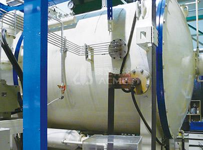 Horizontálna dvojkomorová vákuová nauhličovacia pec